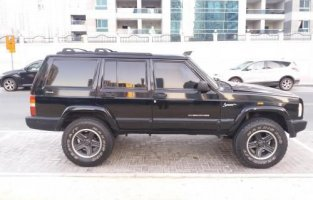 2000 Jeep Cherokee - GCC - 18,000 AED
