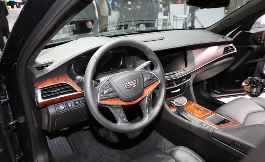 2016-Cadillac-CT6-123-876x535.jpg