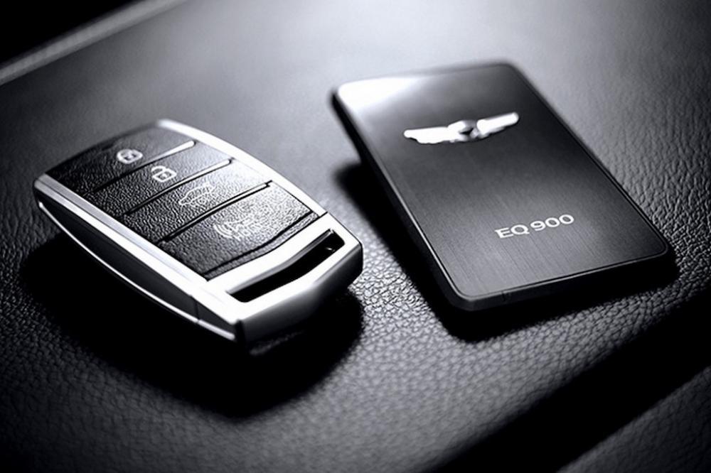 2017-Hyundai-Genesis-G90-Key-Fob.jpg