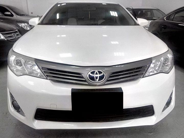 toyota camry 2013 model toyota used cars in uae carnity. Black Bedroom Furniture Sets. Home Design Ideas