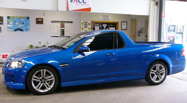 Holden VE II Ute SV6-1.jpg