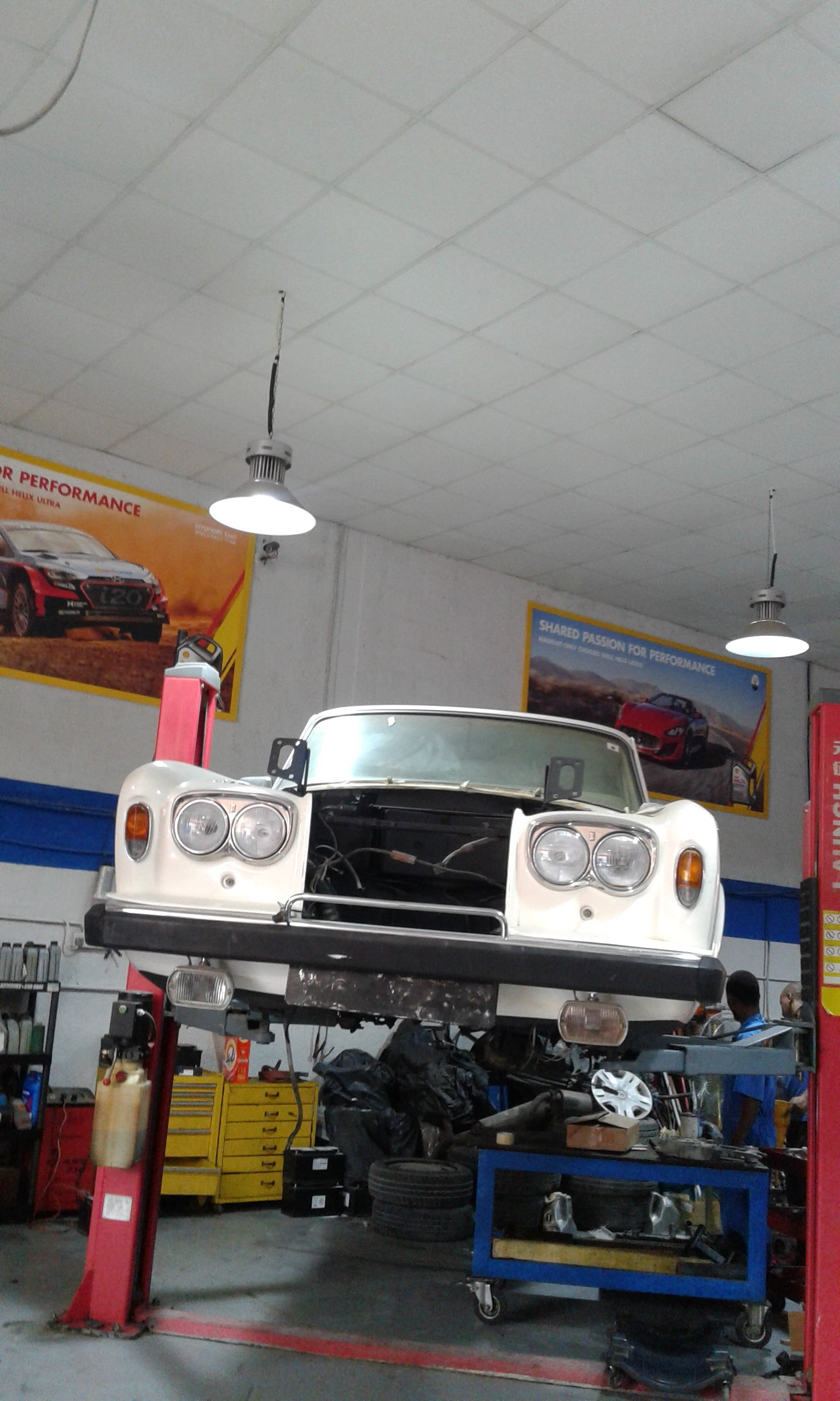 Nearest Auto Repair Shop >> Luxury Auto Service Center - General Service Workshop
