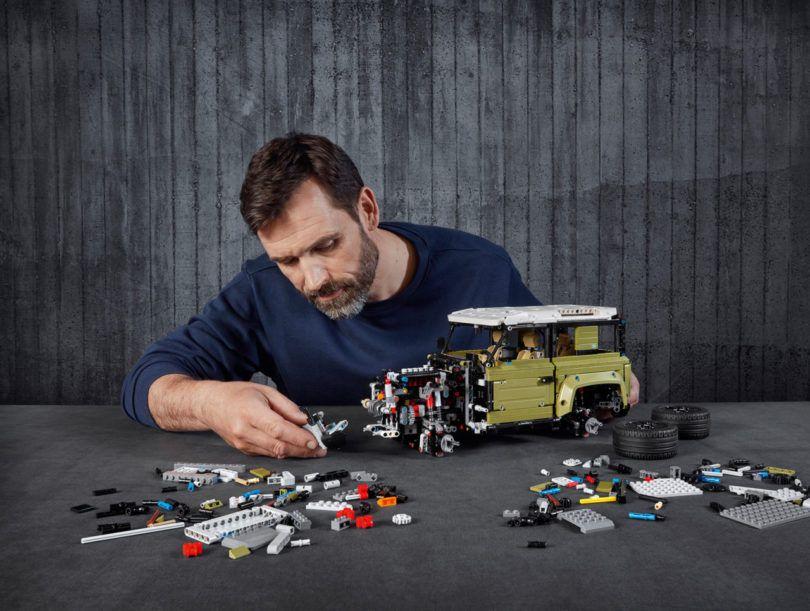 LR_DEF_20MY_LEGO_111019_Piece-810x611.jpg.f98d4f1f805bb8e04d30f46e319074d1.jpg