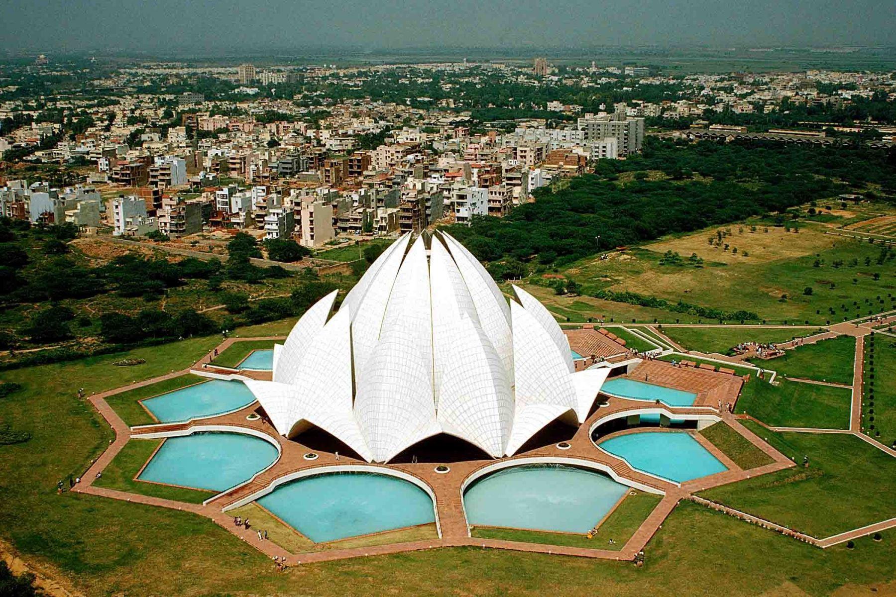 Beautiful_Lotus_Temple_in_Delhi_India_HD_Wallpaper.jpg